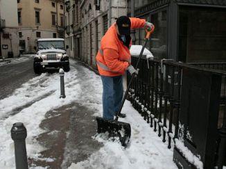 Sgombero neve e ghiaccio dai marciapiedi - ::: Rete Civica del Comune di Mozzo :::